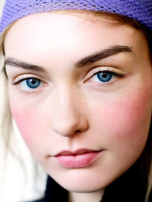 How to Brighten Your Eyes With Makeup Drops (and Food, Too)
