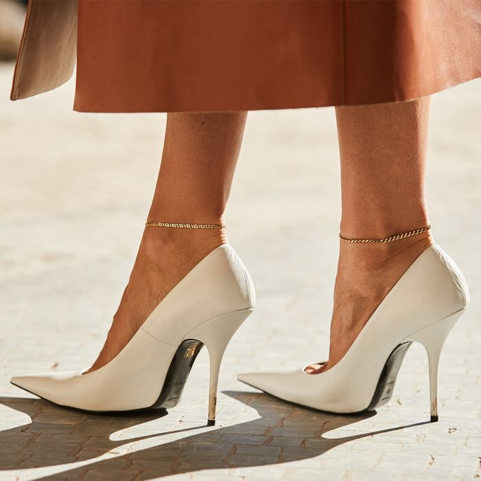 Why isn't wearing ladies high heel shoes by men accepted in