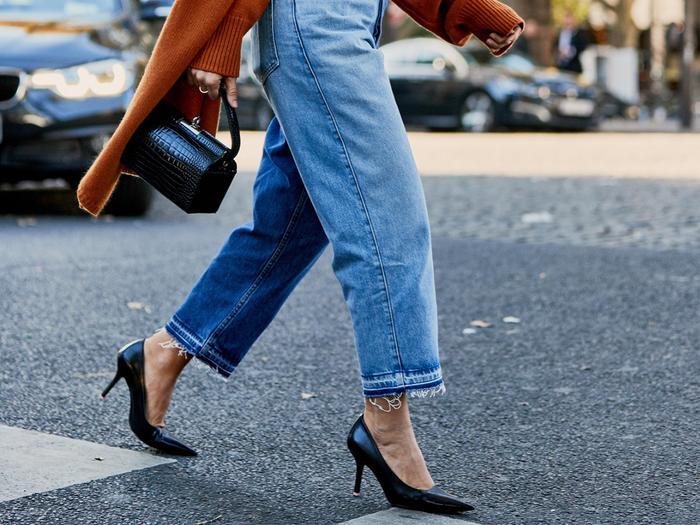 How to Walk in Heels: 7 Tricks That