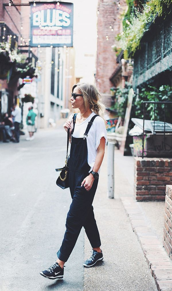 A relaxed fit is perfect for running errands with sneakers and a tee.