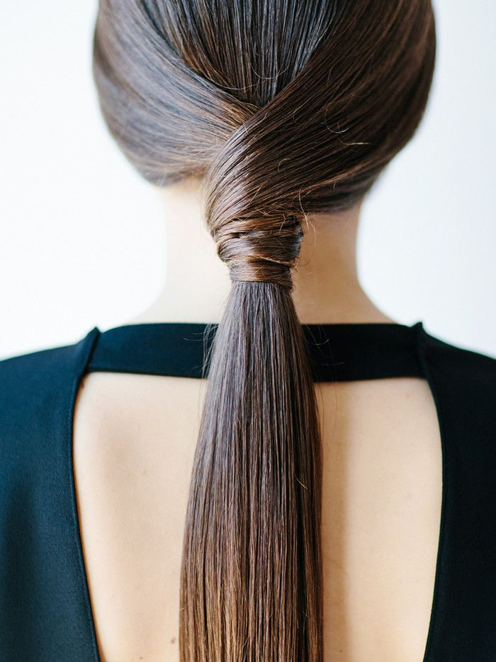 9 Easy Hairstyles For When Your Hair Is 90% Dry Shampoo | Byrdie