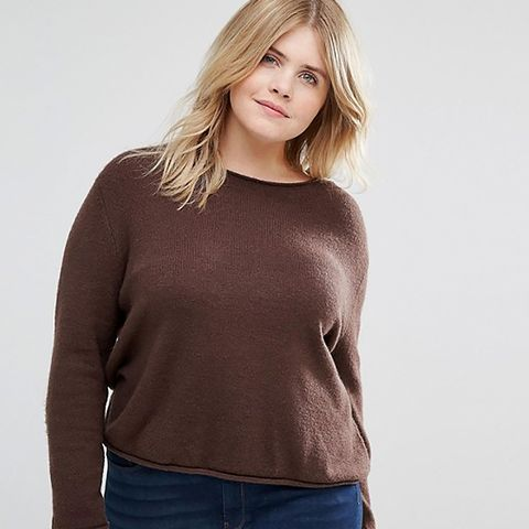 Cropped Sweater With Rolled Edge in Fluffy Yarn