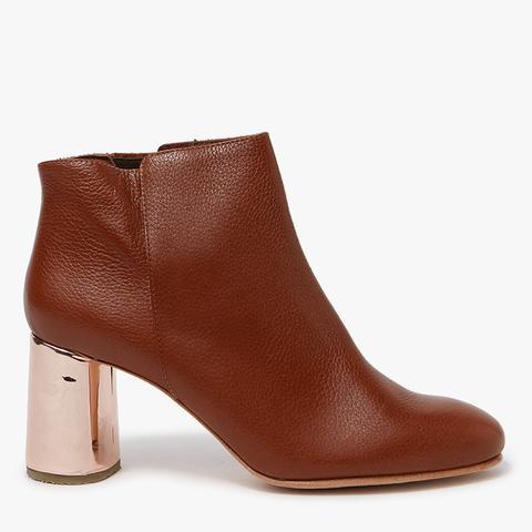 Lin Boots in Cognac