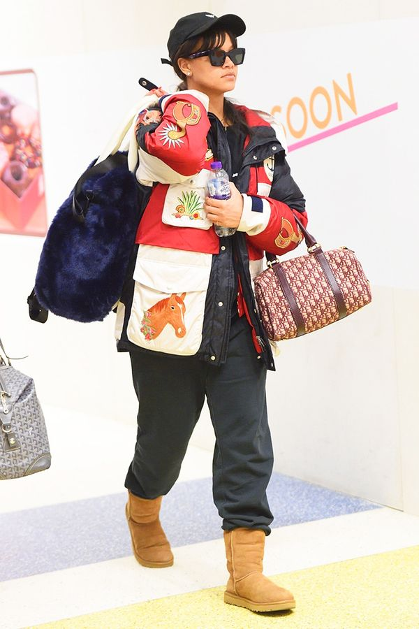 rihanna wearing uggs, airport