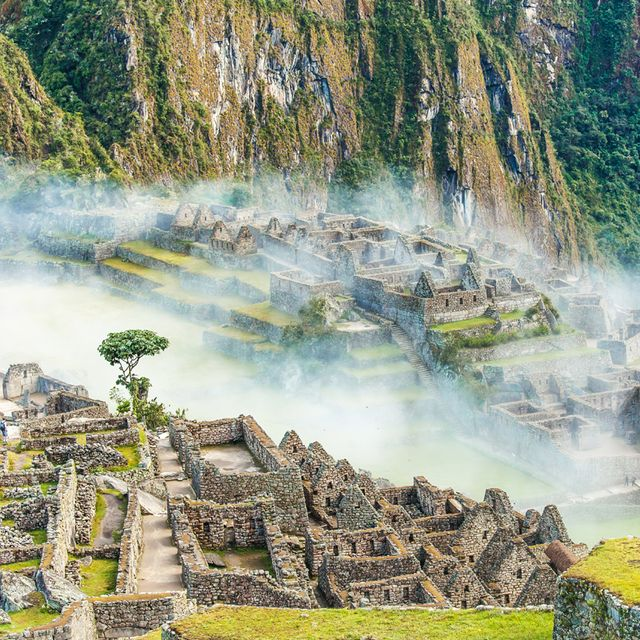 20 Amazing Travel Experiences to Have Before You Die