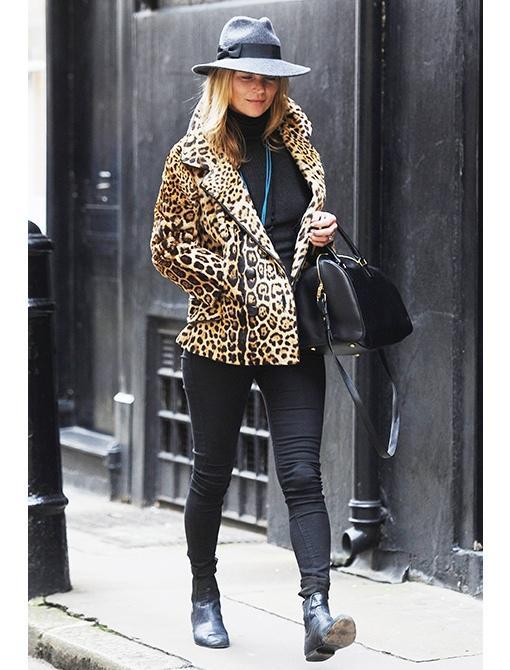 Vintage coat Saint Laurent top Siwy jeans Saint Laurent Classic Duffle 12 Bag ($2650) Balenciaga bootsGet The Look:  Helen Kaminski Nina Wide Brim Trilby Hat ($295) Mango Animal Print Faux Fur...