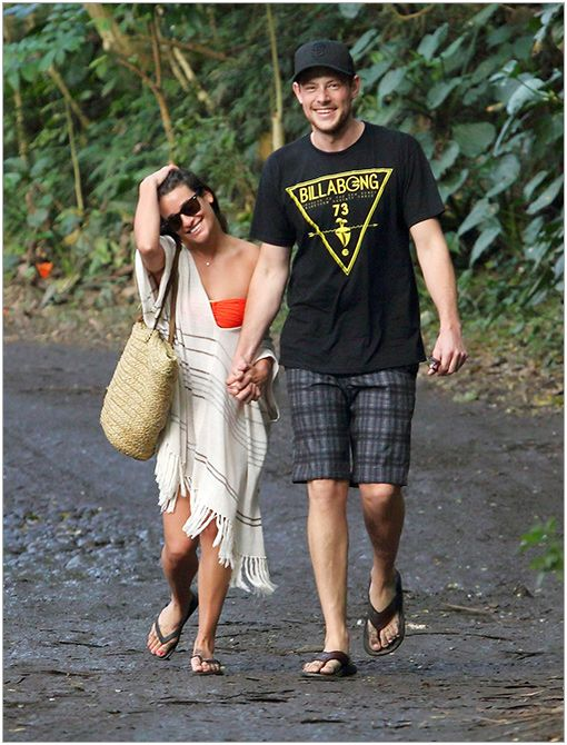 Location: HawaiiGet The Look:Victoria's Secret Crochet Fringe Cover-Up Sweater ($88)Image courtesy of Fame Flynet