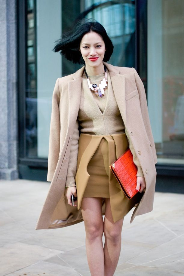 Street Style: Bright Clutches