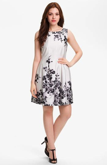 Vince Camuto  Sleeveless Garden Print Dress