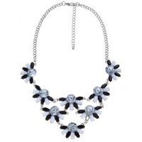 New Look Monochrome Petal Bib Necklace