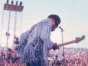 7 Pieces for a Woodstock-Inspired Home