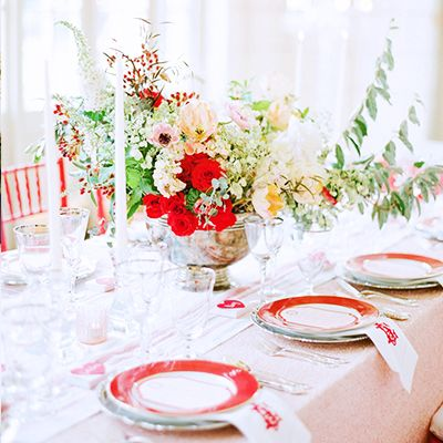 5 Ways to Introduce a Pop of Color Into Your Wedding