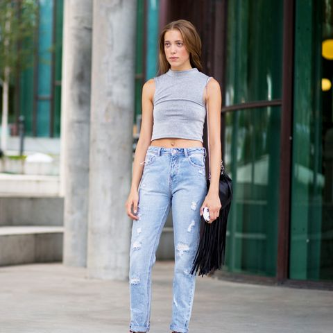 crop top jeans street style
