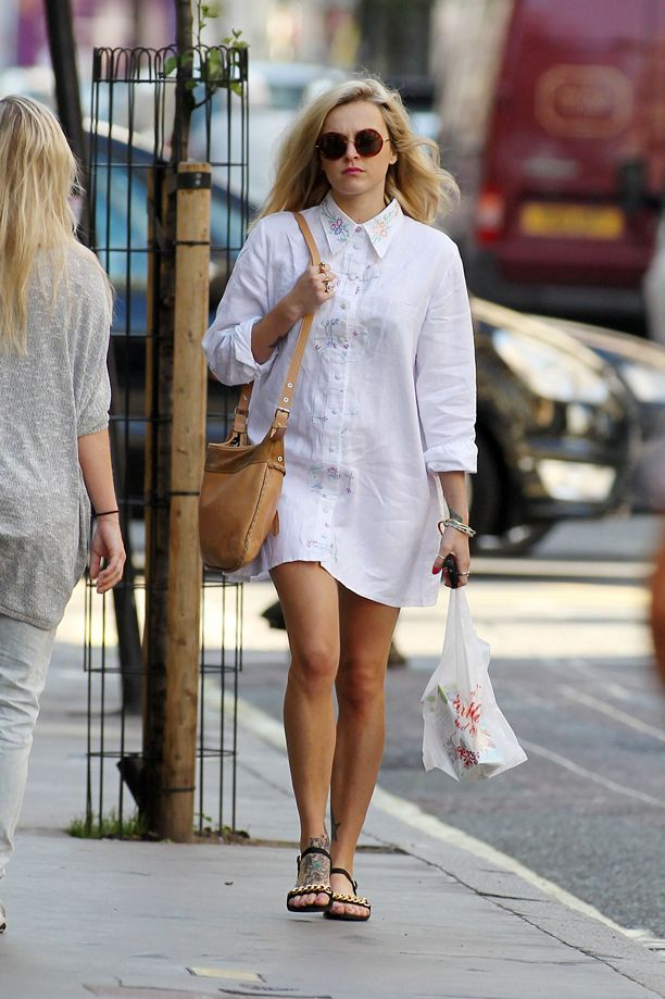 Look of the Day: Embroidered Shirtdress