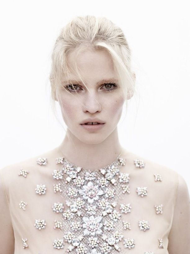 Lara Stone | Vogue Netherlands