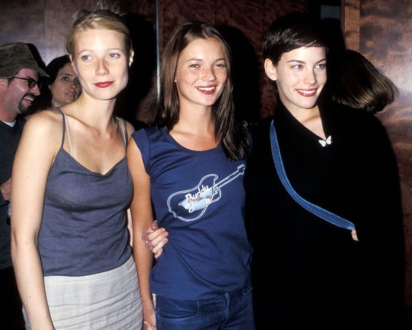 Moss with Gwyneth Paltrow and Live Tyler at a Beck concert in 1998 at The Roxy in New York City.