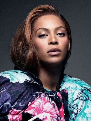 Watch Beyoncé Totally Own Her CR Fashion Photo Shoot