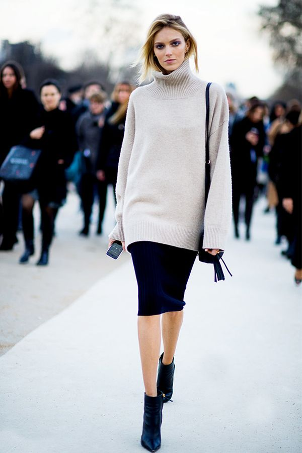 Turtleneck + Pencil Skirt + Pointed-Toe Boots