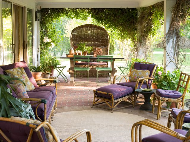 10 Ways to Transition Your Outdoor Rooms for Fall