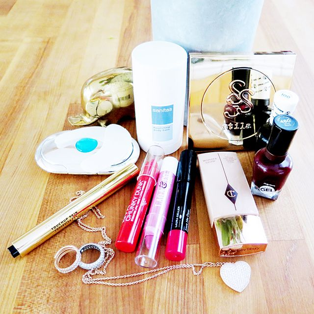 Mandy's Must-Haves: A Do-It-All Concealer Pen, Miracle Gel Polish, and More