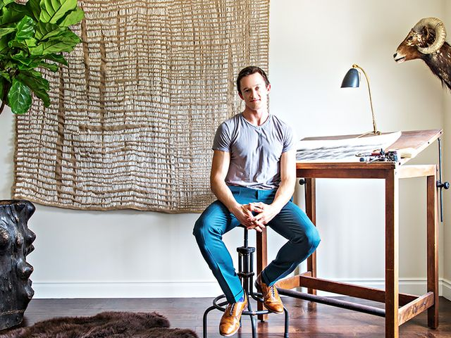 home tour a young art consultant 39 s expertly curated colonial mydomaine. Black Bedroom Furniture Sets. Home Design Ideas