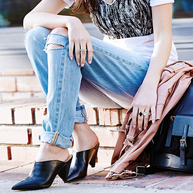 27 Jeans You Definitely Need in Your Closet This Fall