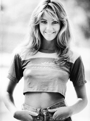#TBT: 5 Heather Locklear Looks to Inspire Your Inner Bombshell
