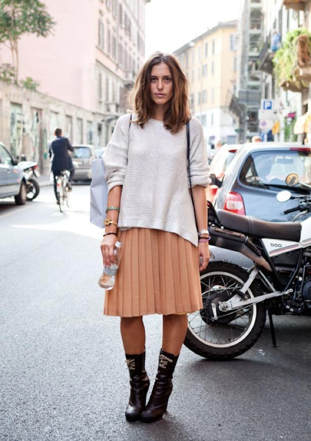Street Style: Knee-Length Pleats