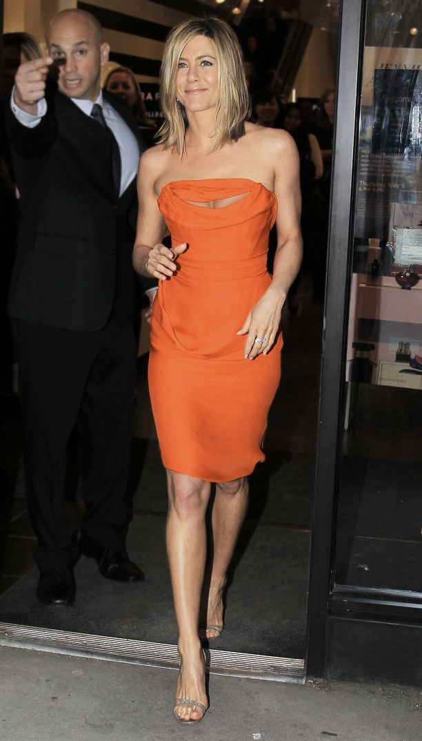 Look of the Day: Little Orange Dress