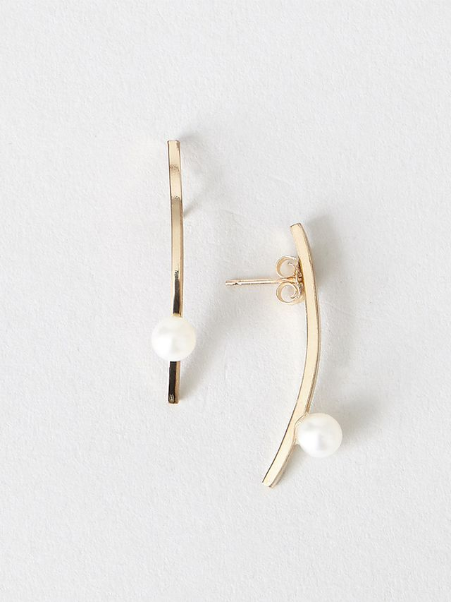 Steven Alan Pearl Stick Earrings