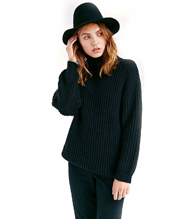 BDG Shaker Turtle Neck Sweater