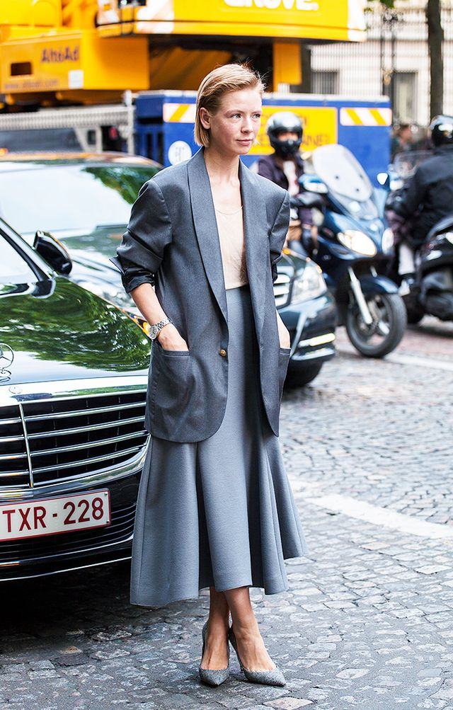 Style Tip: Wear an oversized blazer over a nude camisole and full midi skirt.