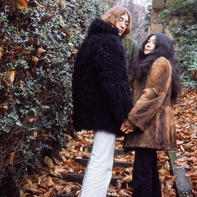 #TBT: 12 Rare John Lennon and Yoko Ono Photos
