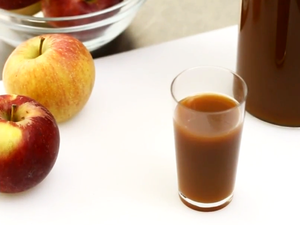 Learn to DIY Your Own Delicious Apple Cider