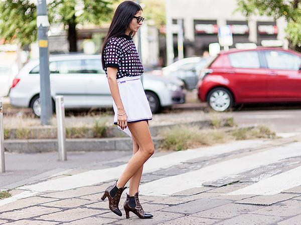 Similar miniskirt: River Island Zip Front Wrap Skirt ($47)