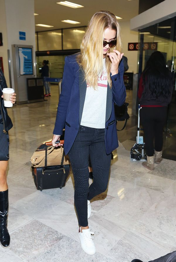 Blazer + Graphic Sweatshirt + Sneakers = Travel Outfit