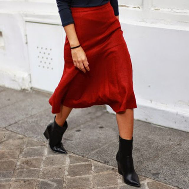 #TuesdayShoesday: 5 Black Boots to Style With Fall's Coolest Skirts