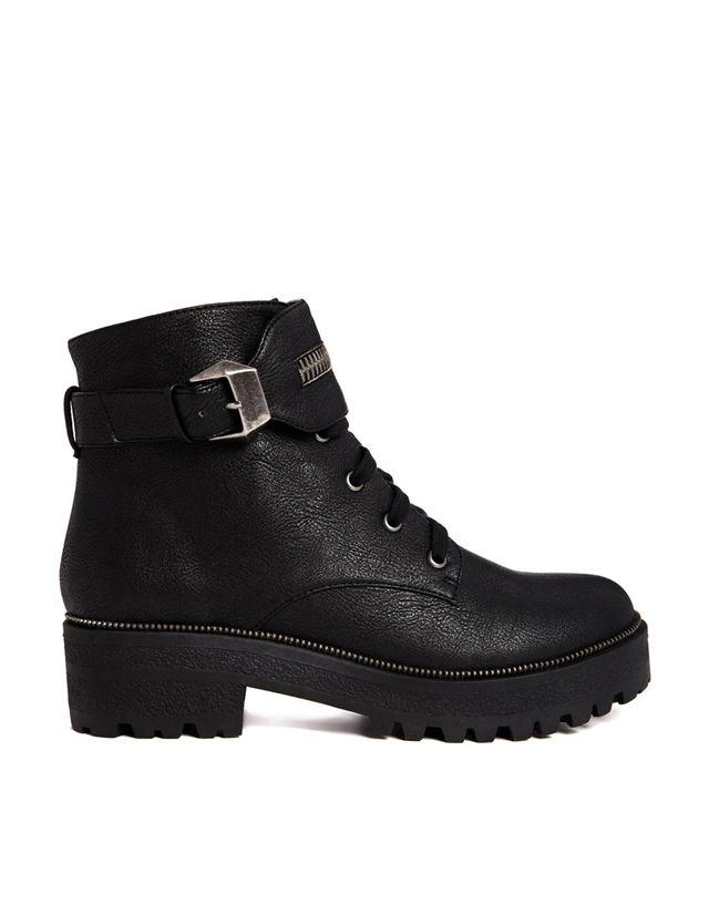 ASOS ALIVE AND KICKING Ankle Boots