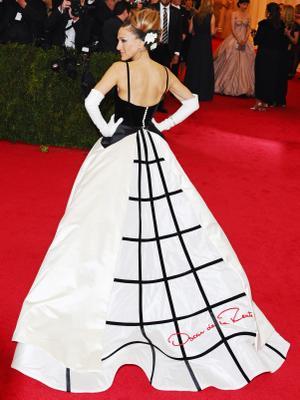 Oscar de la Renta's Most Dramatic Red Carpet Dresses of All Time