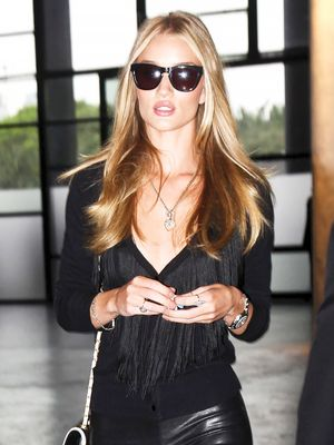How to Wear All Black Like Rosie Huntington-Whiteley This Fall