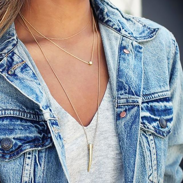 #StyleHack: How to Keep Necklaces Untangled