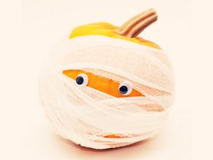 16 Celebrity Pumpkins We Love