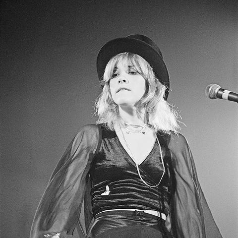 Stevie Nicks style: 1975