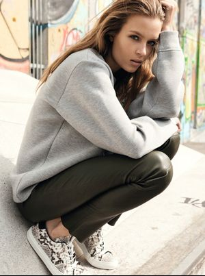 5 Ways To Wear Sneakers This Fall From Elle Denmark