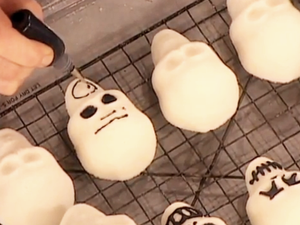 LL Cool J Shows Us How to Make Sugar Skulls