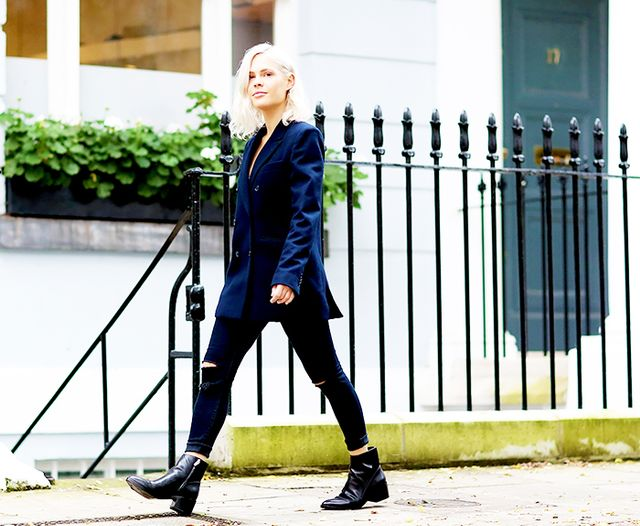 Black Jeans + Pointed-Toe Black Boots