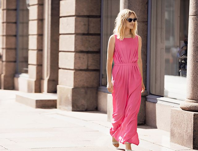 Outfit Idea: Pink Pleated Maxi Dress