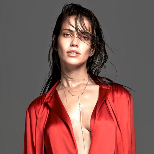 2 Red Hot Holiday Party Looks From Vogue Netherlands