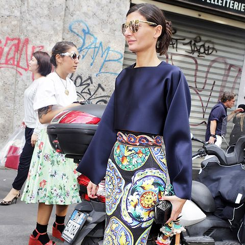 Colours That Suit Brunettes: Giovannia Englebert in a navy blue top
