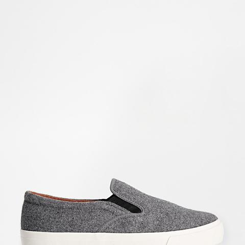 Dialog Sneakers